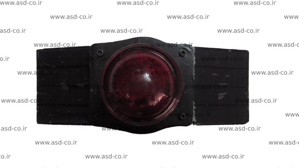 لامپ ال ای دی استفاده شده در چراغ دکل مخابراتی باید دارای زاویه پخش نور گسترده باشد تا تمام فضای اطراف را تحت پوشش قرار دهد. لامپ ال ای دی که در چراغ دکل های تولید شده در این مجموعه استفاده می شود دارای کد چیپ E14 است که گسترده ترین زاویه پخش نور را در میان نمونه های موجود در بازار دارد.
