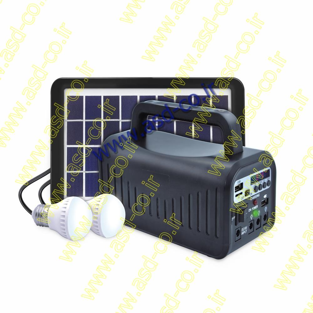 بر روی پاور بانک خورشیدی یک پنل قرار دارد که زمانی که در برابر نور خورشید قرار می گیرد؛ انرژی خورشید را به الکتریسیته تبدیل کرده و از آن برای شارژ کردن دستگاه های الکترونیکی و روشن کردن لامپ استفاده می شود.
