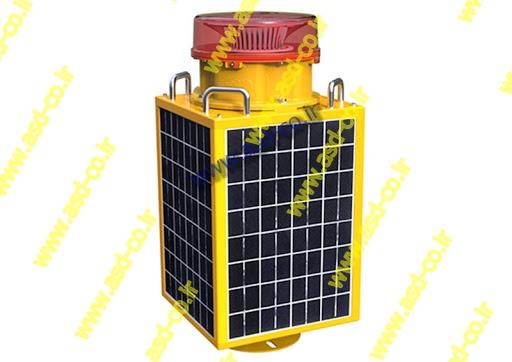 قیمت نهایی چراغ سر دکل خورشیدی به طور مستقیم به قیمت مواد اولیه و نوسانات موجود در بازار وابسته است. بیشتر تولید کنندگان چراغ دکل مخابراتی با افزایش قیمت ها، نرخ توزیع چراغ دکل سولار را نیز تغییر می دهند.